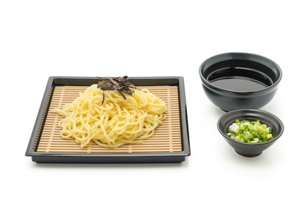 Japoński zimny makaron ramen