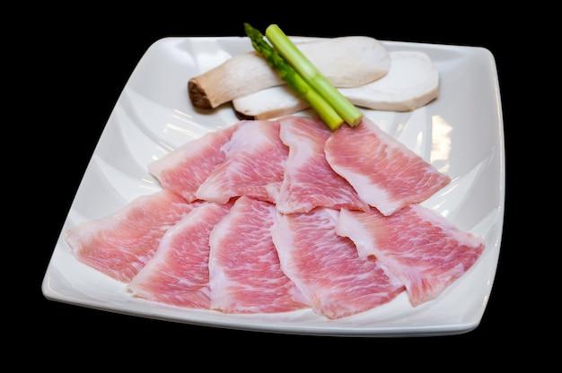 Japońskie menu yakiniku z wołowiny.