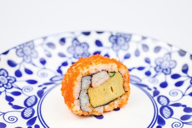 Japońskie sushi saba lub sushi z surowej makreli