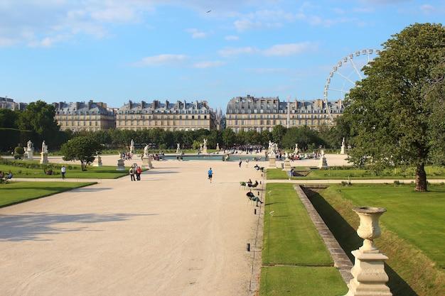 Jardin des tuileries lub the tuileries garden