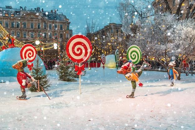 Jarmark bożonarodzeniowy w petersburgu. świąteczna rozrywka. st. petersburg, rosja