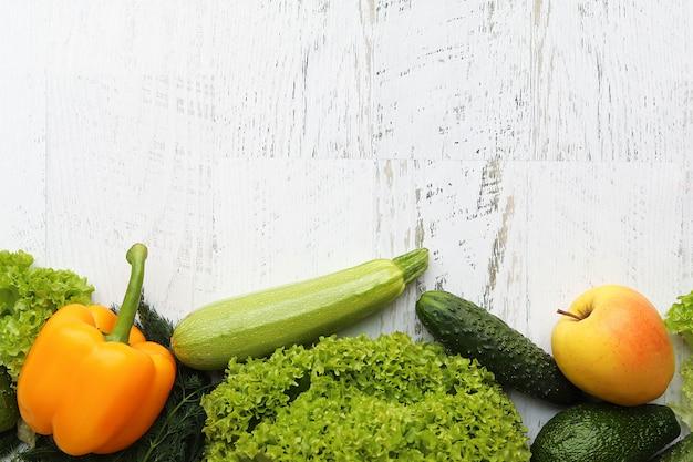 Jasne owoce i warzywa
