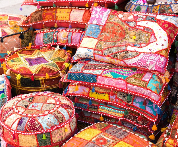 Jasne poduszki