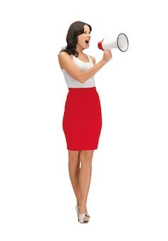 Jasny obraz zły kobieta z megafonem.