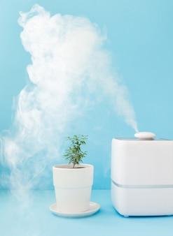 Jasny odświeżacz powietrza w tle i nawilżacz powietrza w domu do czyszczenia powietrza oraz nawilżania i pielęgnacji