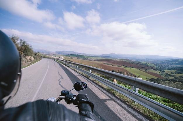 Jazda rowerem na wsi