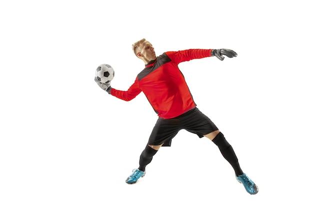 Jeden piłkarz bramkarz człowiek rzucanie piłką. sylwetka na białym tle studio