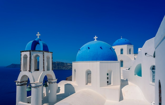 Jeden z najbardziej znanych widoków w oia, santorini, grecja