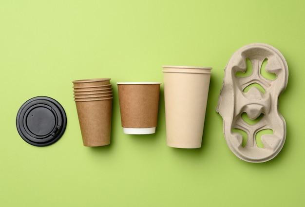 Jednorazowe kubki papierowe z brązowego papieru rzemieślniczego i pojemniki na papier z recyklingu