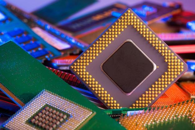Jednostka centralna. procesor komputerowy. ścieśniać