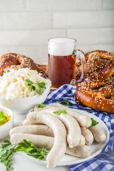 Jedzenie i piwo oktoberfest