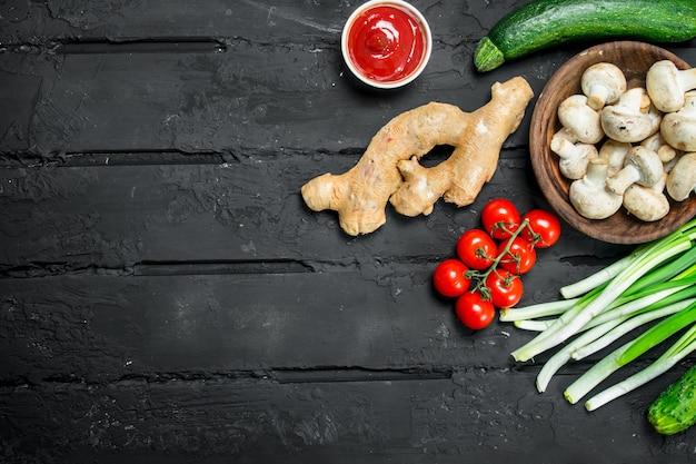 Jedzenie organiczne. różnorodność zdrowych owoców i warzyw z roślinami strączkowymi.
