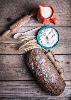 Jedzenie. piękny zestaw do pieczenia chleba