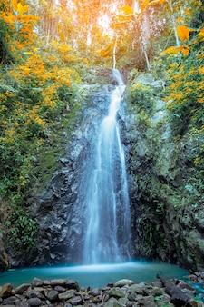 Jesień wodospad