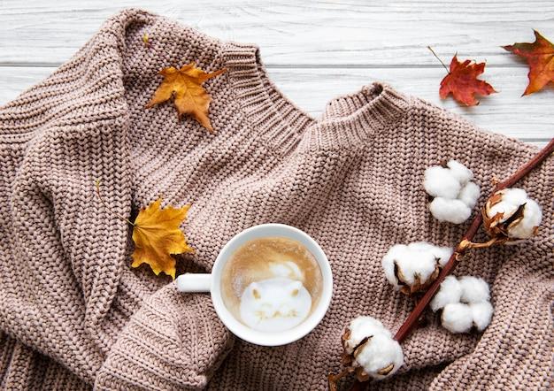 Jesienna domowa przytulna kompozycja