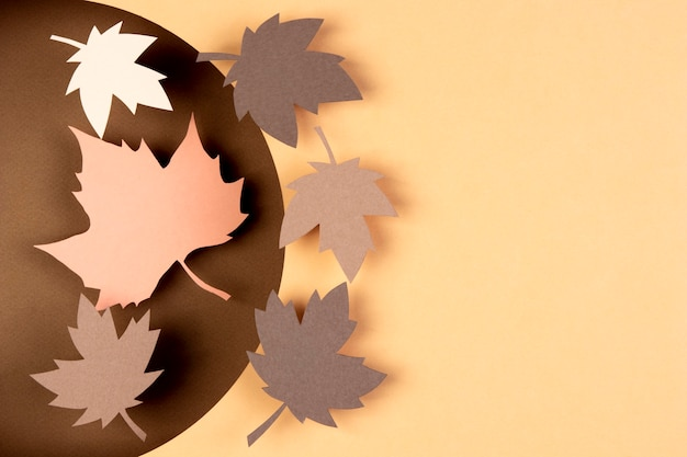 Jesienna kompozycja w papierowym stylu