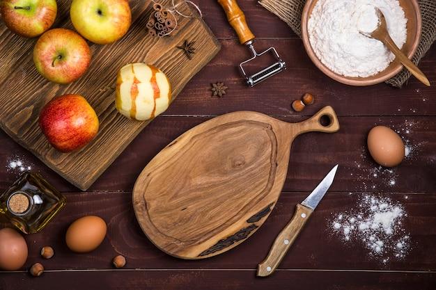 Jesienne jabłka do pieczenia słodkich ciast