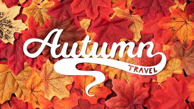 Jesienne podróże napis z liści