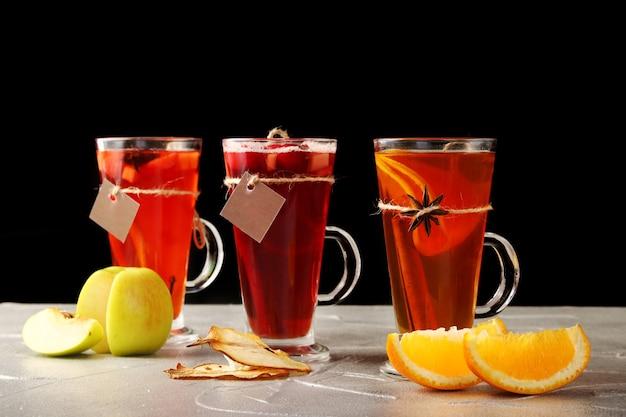 Jesienne tradycyjne drinki z owocami