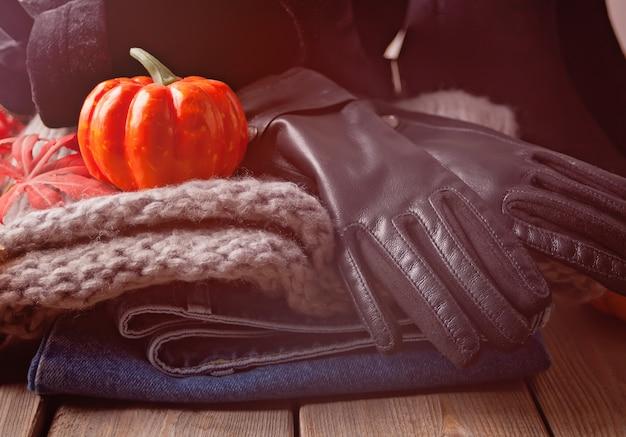 Jesienny strój kobiecy