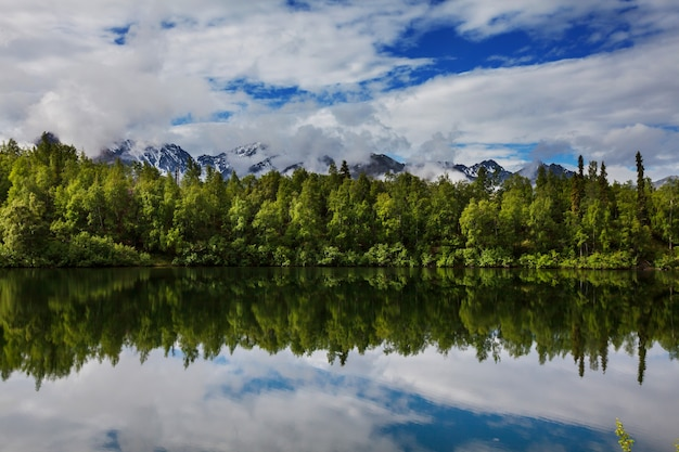 Jezioro serenity w tundrze na alasce?