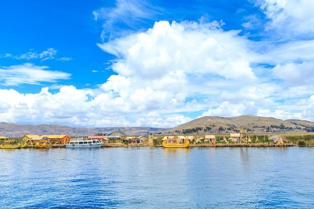 Jezioro titicaca w pobliżu puno, peru
