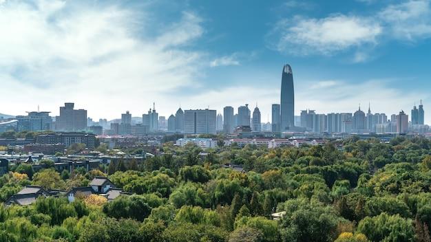 Jinan Panoramę Nowoczesnej Architektury Miasta Premium Zdjęcia