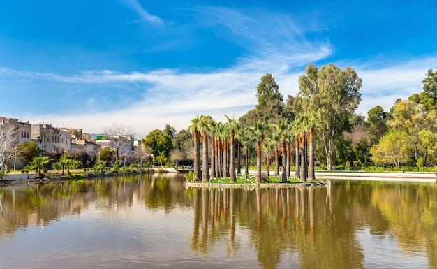Jnan sbil, królewski park w fezie - maroko