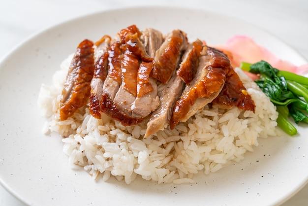 Kaczka pieczona z grilla na ryżu