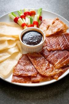 Kaczka po pekińsku - chińskie jedzenie