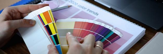 Kalendarz 2020 i karta kolorów
