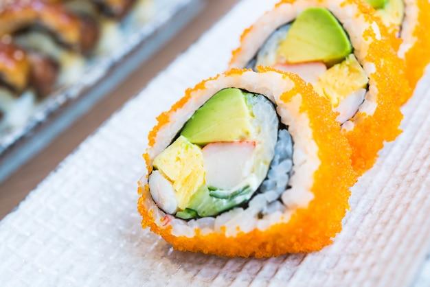 Kalifornijska rolka sushi