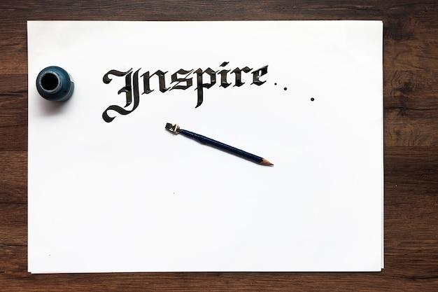 Kaligrafia ręcznie pisany napis tło płaskie leżał