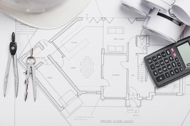 Kalkulator i materiały eksploatacyjne na planie