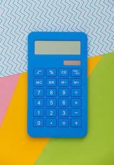 Kalkulator. wirtualna rzeczywistość. płaskie ułożenie