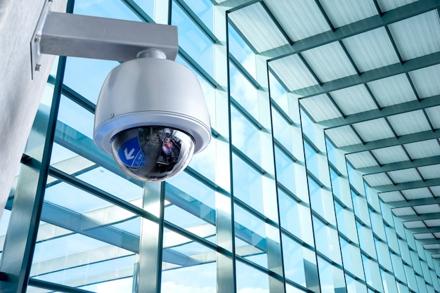 Kamera bezpieczeństwa cctv na lotnisku lokalizacji