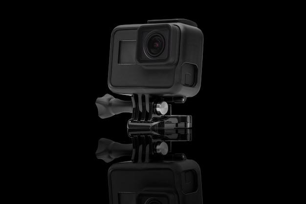 Kamera działania na czarnym tle