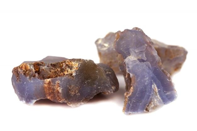 Kamień chalcedonowy na akcesoria przemysłowe izolat