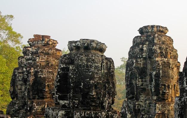 Kamienne świątynie w kambodży