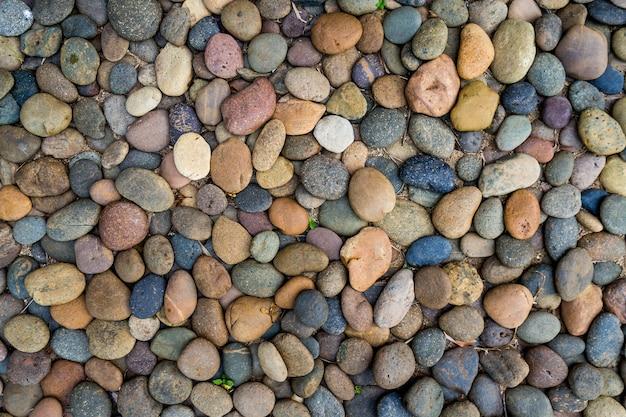 Kamyczki lub kamień tle rzeki