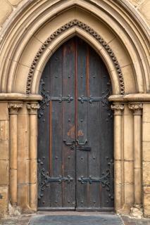 Kaplica drzwi hdr