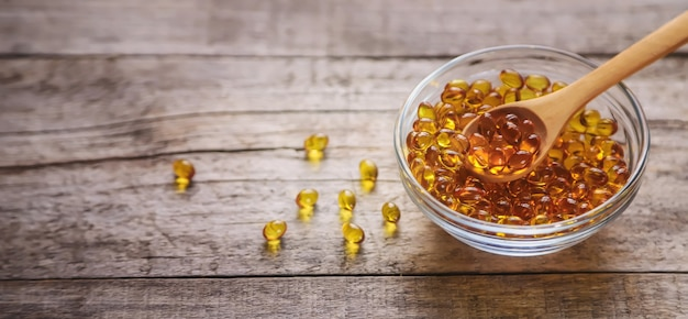 Kapsułki witaminy d3. medycyna witaminy i suplementy diety.