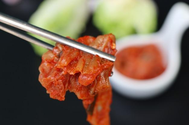 Kapusta kimchi - koreańskie jedzenie