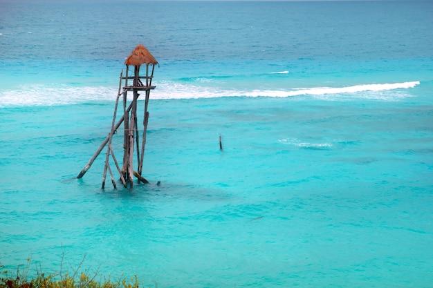 Karaibski zip linii tyrolski turkusowy morze