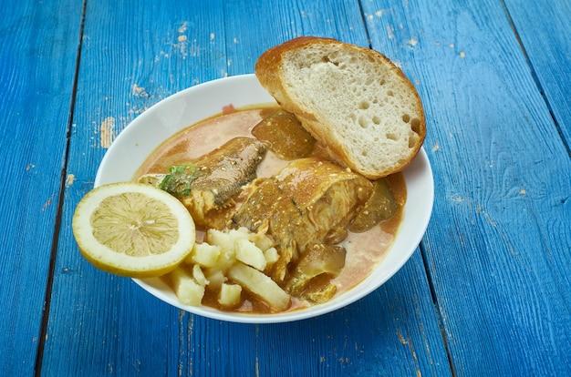 Karaibskie curry fish, wersja z trynidadu i gujany