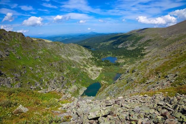 Karakol jeziora w górach ałtaj