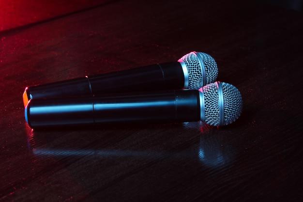 Karaoke. koncepcja życia nocnego.