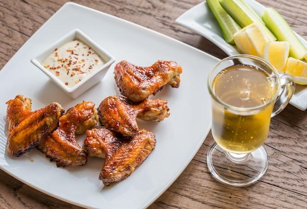 Karmelizowane skrzydełka z kurczaka z pikantnym sosem