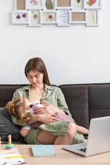 Karmienie piersią matki w średnim wieku