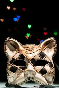 Karnawałowa maska kota